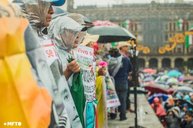 2015.09.26-marcha-ayotzinapa-01