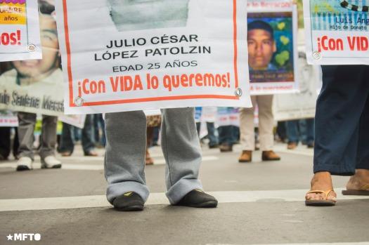 2015.09.26-marcha-ayotzinapa-08