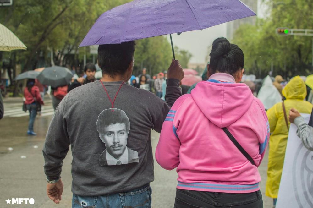 2015.09.26-marcha-ayotzinapa-12